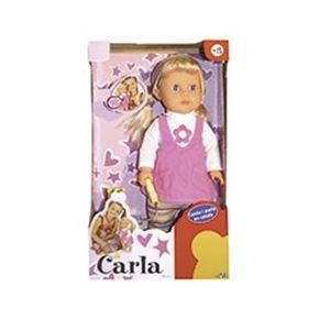 Carla passeja al seu gos canta i parla en català