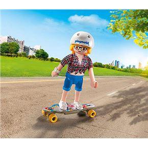 Adolescente con skate - 30009338