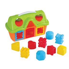 Casa de formas con encajes